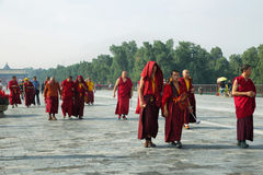 未认出的西藏和尚在北京 免版税图库摄影