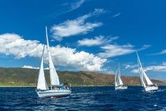 未认出的风船参加航行赛船会 免版税图库摄影