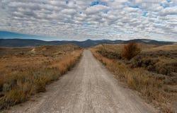 未铺砌蒙大拿的路 免版税库存图片