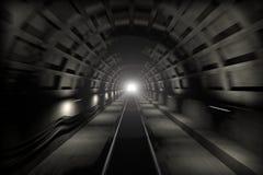 末端发光的地铁隧道 免版税库存图片
