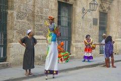 本地人在哈瓦那,古巴 免版税库存照片