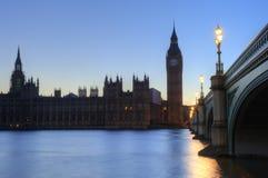 本大伦敦晚上议会地平线 库存照片