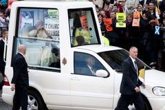 本尼迪克特教皇抗议者xvi 库存图片