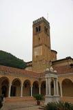 本尼迪克特的修士的一个古老女修道院的古老塔 免版税图库摄影