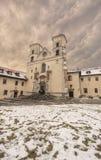 本尼迪克特的修道院在克拉科夫,波兰附近的Tyniec在一个冬日 图库摄影