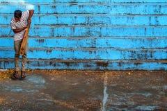 本托特,斯里兰卡-大约2016年12月:斯里兰卡的人打墙网球 图库摄影