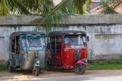 本托特,斯里兰卡- 2015年12月31日:Tuk-tuk在的moto出租汽车 库存照片