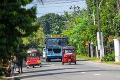 本托特,斯里兰卡- 2015年12月31日:Tuk-tuk在的moto出租汽车 免版税库存图片