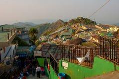 本机居住的村庄 从山的视图 缅甸 库存照片