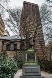 本杰明・富兰克林雕象在街市波士顿 图库摄影