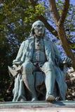 本杰明・富兰克林雕塑-巴黎,法国-本杰明・富兰克林雕塑,驻法国的第一个美国大使 sculp 免版税图库摄影