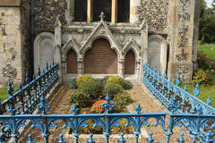 本杰明・迪斯雷利的坟墓 免版税库存照片