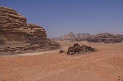 本质、瓦地伦谷月亮, Jorda沙漠和岩石  免版税库存图片