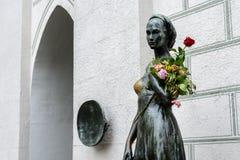朱丽叶雕象在老城镇厅附近的在慕尼黑 免版税库存照片