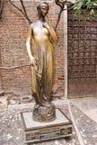 朱丽叶` s雕象在维罗纳 库存图片