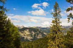 朱利安阿尔卑斯山在斯洛文尼亚,在Bohinj湖附近 免版税库存图片