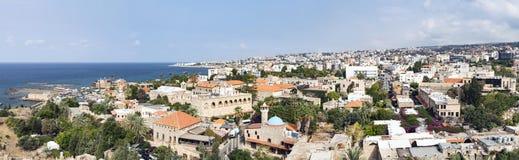 朱拜勒黎巴嫩-历史的老大厦的全景 库存图片