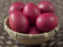 朱红色的鸡蛋 库存照片