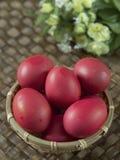 朱红色的鸡蛋 免版税库存图片