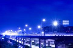 机动车路晚上 免版税库存照片