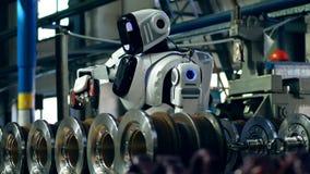 机器人操练金属建筑 股票视频