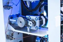 机器人机器视觉系统在电话工厂 免版税库存图片