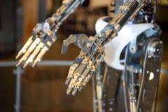 机器人的手 免版税库存照片