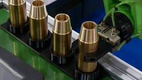 机器人胳膊在产业制造的机械工具金属工艺过程中 影视素材