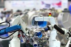 机器人胳膊引擎生产工业4 0事技术使用 免版税库存图片