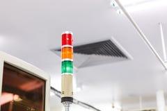 机器工作的警告灯警报 库存图片