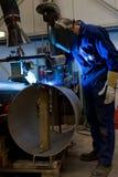 机器操作员焊接 图库摄影