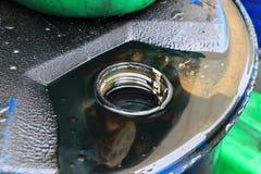机器润滑油和油罐头 库存照片