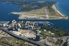 机场中心城市多伦多 图库摄影