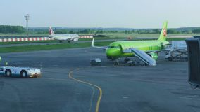 机场交通在多莫杰多沃机场 影视素材