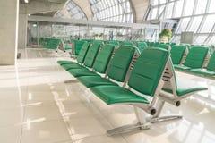 机场内部在等待的区域 库存图片