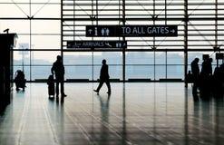 机场大厅及早在日出期间 免版税库存图片