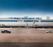 机场大厦,贝尼托华雷斯国际性组织 免版税图库摄影