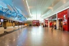 机场对走道的门内部 库存照片