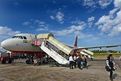 机场平面着陆 免版税图库摄影
