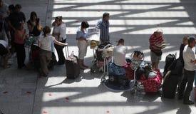 机场搁浅的乘客026 免版税库存图片