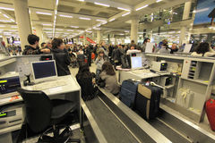 机场搁浅的乘客045 免版税库存照片