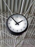 机场时钟 免版税库存照片