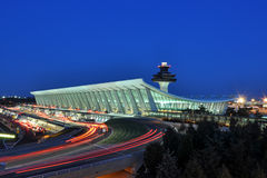 机场杜勒斯黄昏国际华盛顿 库存图片