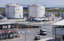 机场燃料贮存 免版税库存照片