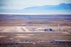 机场看法在天时间在盐湖城 免版税库存照片