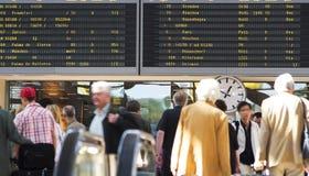 机场航行时刻表 免版税库存照片