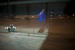 机场被取消的闭合的飞行 免版税库存图片