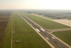 机场跑道在Timisuara -罗马尼亚 免版税库存图片
