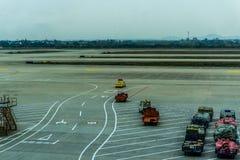 机场跟我学汽车 库存照片