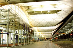 机场香港晚上场面 库存图片